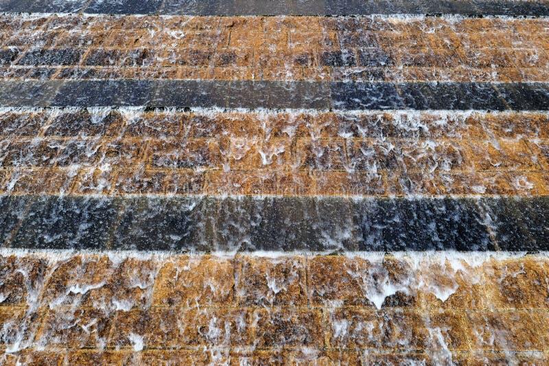 Wasserfallbrunnen Städtischer Brunnen lizenzfreie stockfotografie