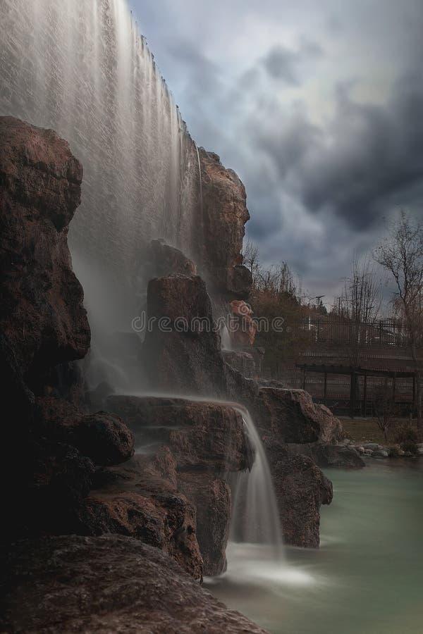 Wasserfallpoollandschaft - Bild lizenzfreies stockfoto