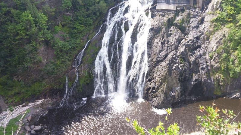 Wasserfalltraumlandschaft lizenzfreies stockfoto