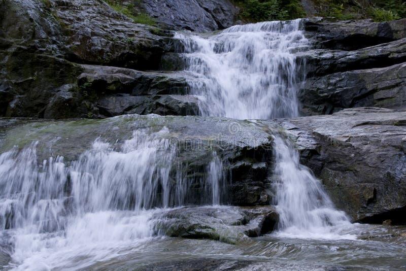Wasserfallwasserfallfelsen stockfoto