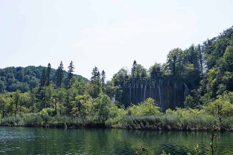 Wasserfallwunder an den Plitvice Seen Nationalpark, Kroatien stockfoto