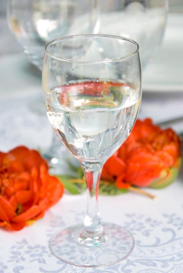 Wasserglas lizenzfreie stockfotografie