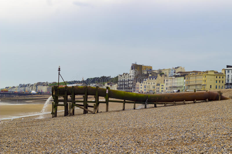 Wasserleitung auf dem Strand lizenzfreies stockfoto