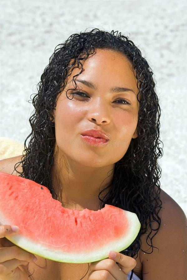 Wassermelonemädchen lizenzfreie stockfotos