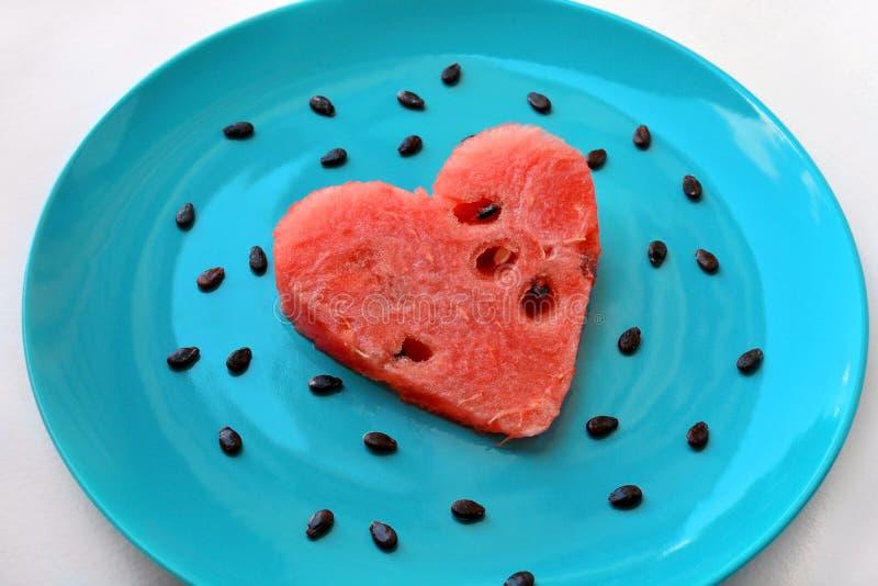 Wassermelonenherz lizenzfreie stockfotos