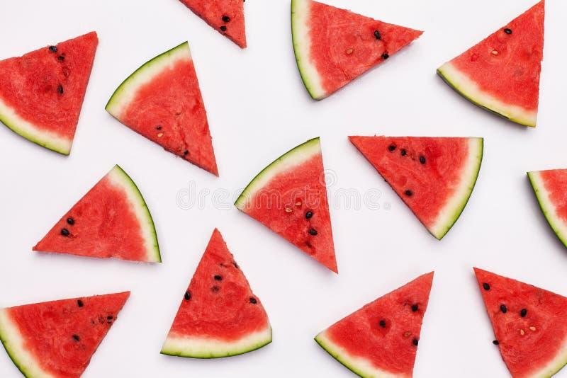Wassermelonenscheiben auf wei?em Hintergrund stockfoto