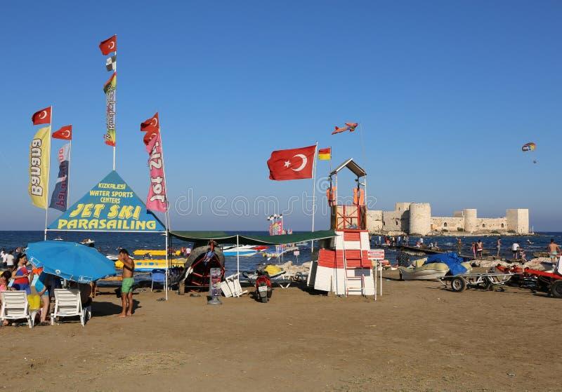 WasserSportzentrum an Kizkalesi-Strand stockbild