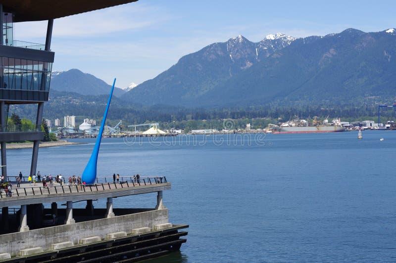 Wassertropfen am Kohlen-Hafen stockfoto