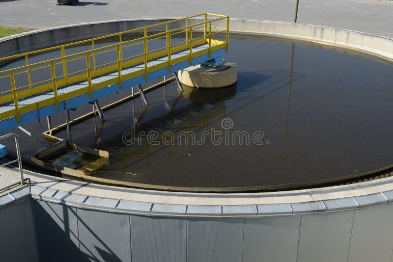 waste vatten för växtbehandling arkivbild
