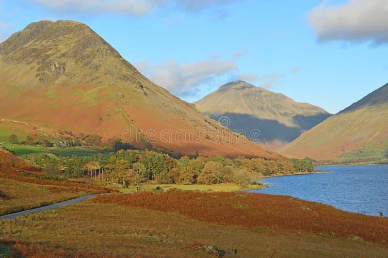 Wastwater i Wasdale głowy gór Jeziorny Gromadzki park narodowy Cumbria UK obraz royalty free