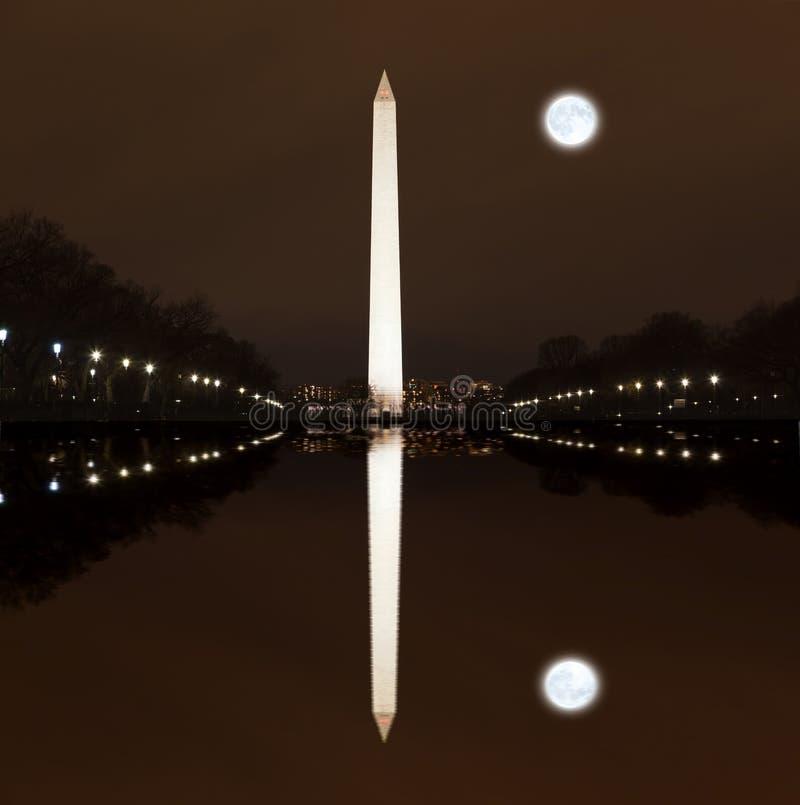 Waszyngtoński pomnik przy nocą obrazy stock