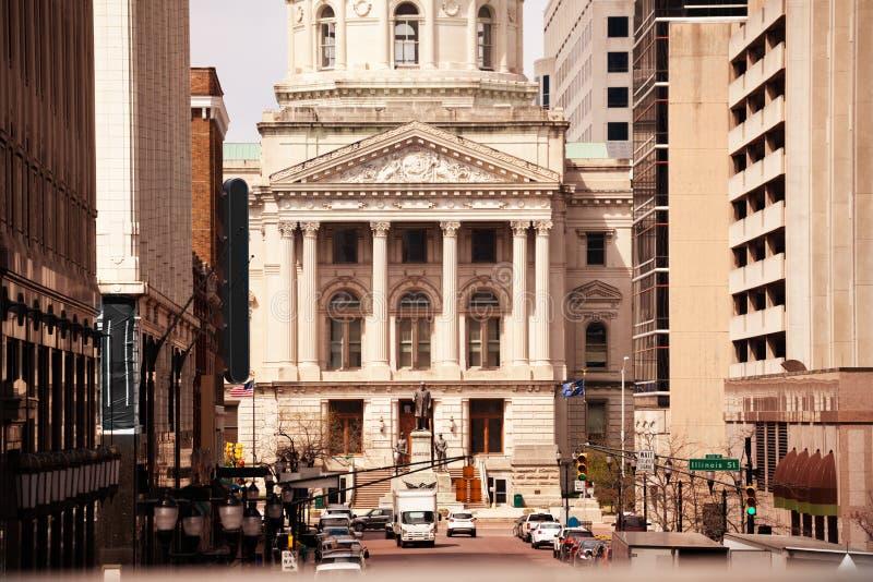 Waszyngtoński uliczny prowadzić Indiana Statehouse widok obraz stock