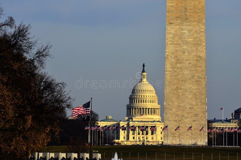 Waszyngtoński zabytek i USA Capitol budynek obrazy stock