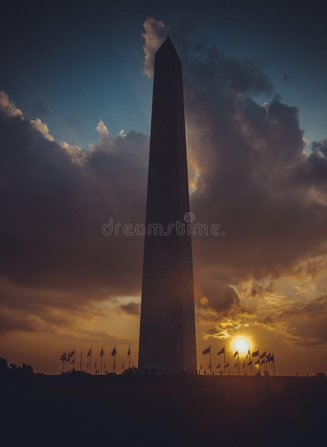 Waszyngtoński zabytek przy zmierzchu niebem, DC, usa, pionowo wizerunek fotografia royalty free