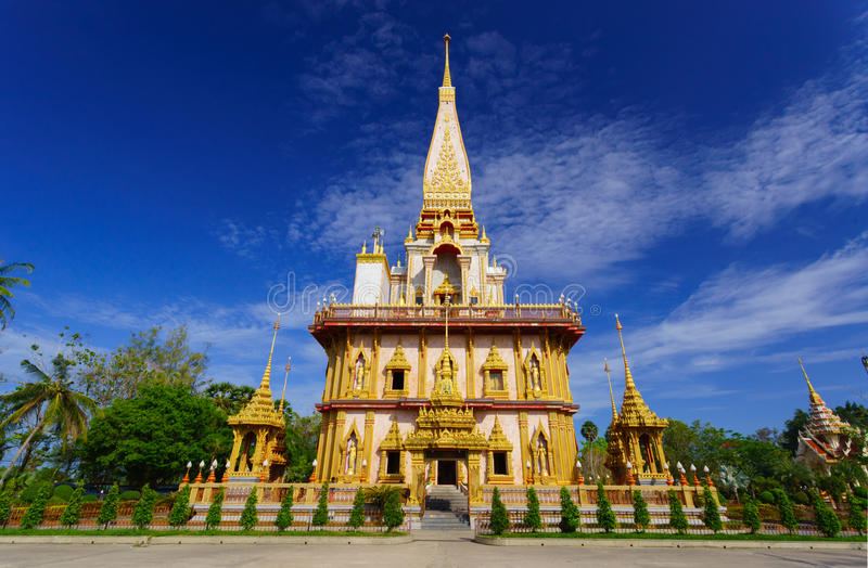 Wat查龙寺庙普吉岛,泰国 库存图片
