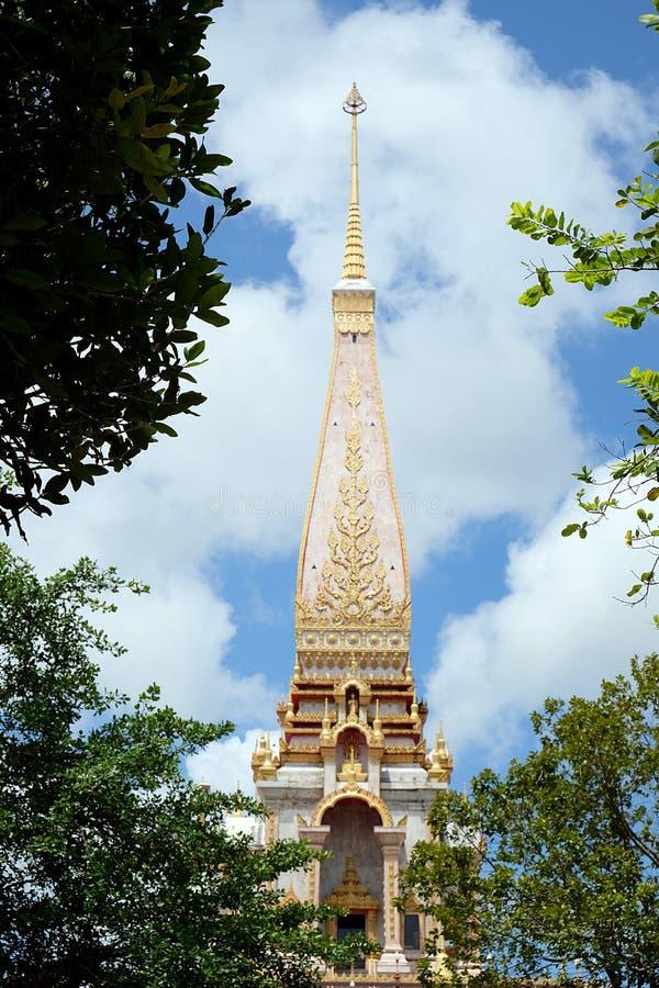 Wat查龙Chaithararam普吉岛最大的寺庙 库存照片
