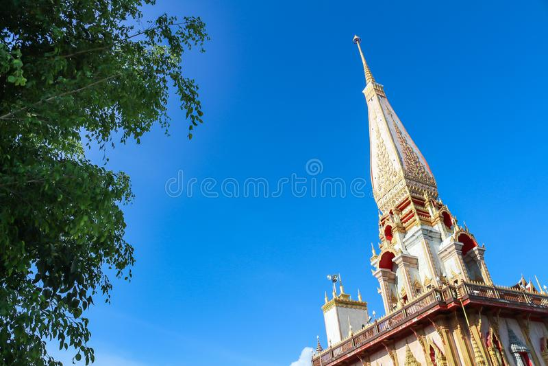 Wat的查龙,普吉府,泰国塔 库存照片