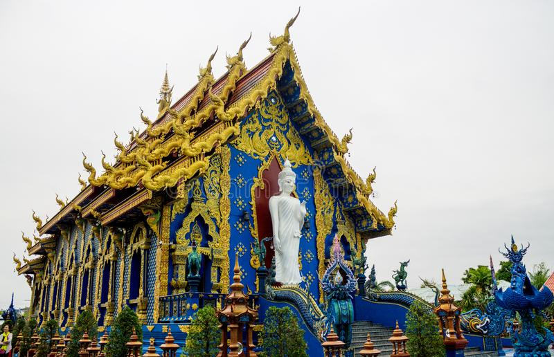 Wat荣Suea十蓝色寺庙在清莱,泰国 免版税库存图片