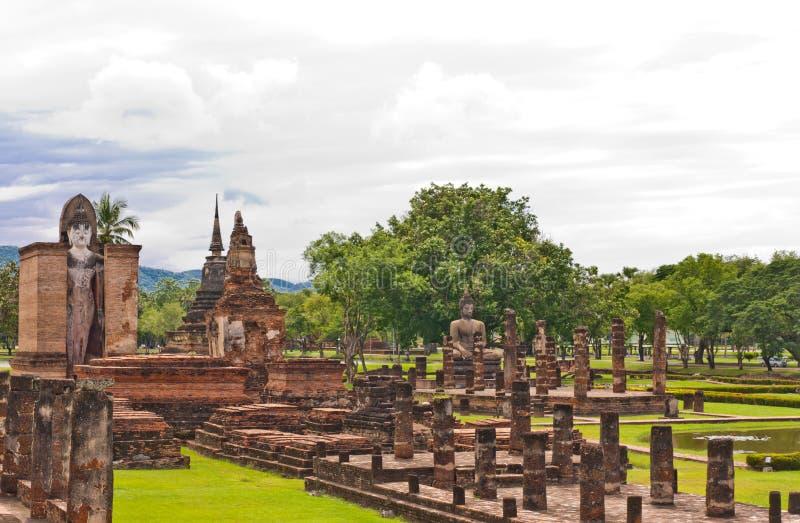 wat верхней части sukhothai mahatat общее стоковые изображения