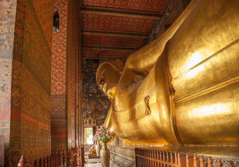 wat виска pho bangkok стоковые изображения