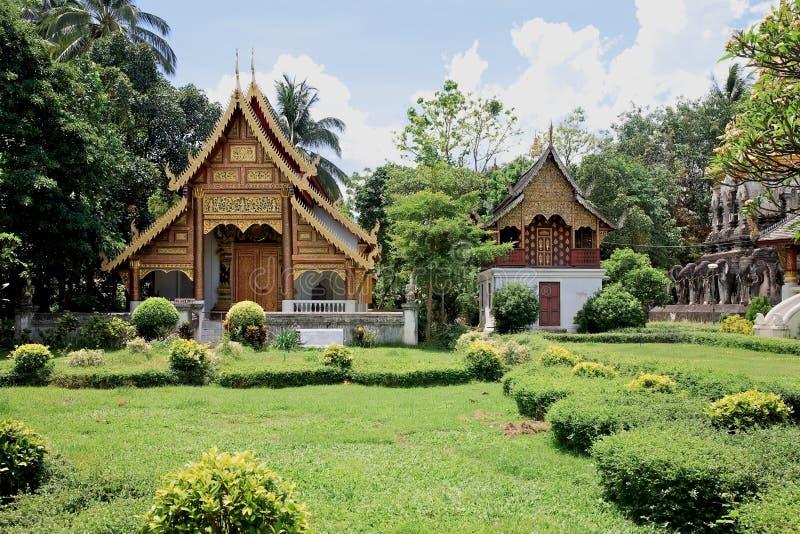 wat Таиланда виска человека mai chiang стоковая фотография rf