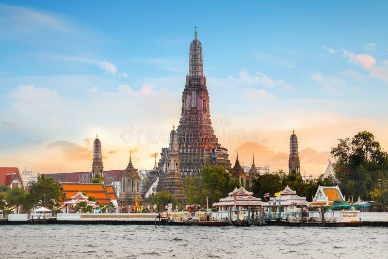 Wat Arun - świątynia świt w Bangkok zdjęcie stock