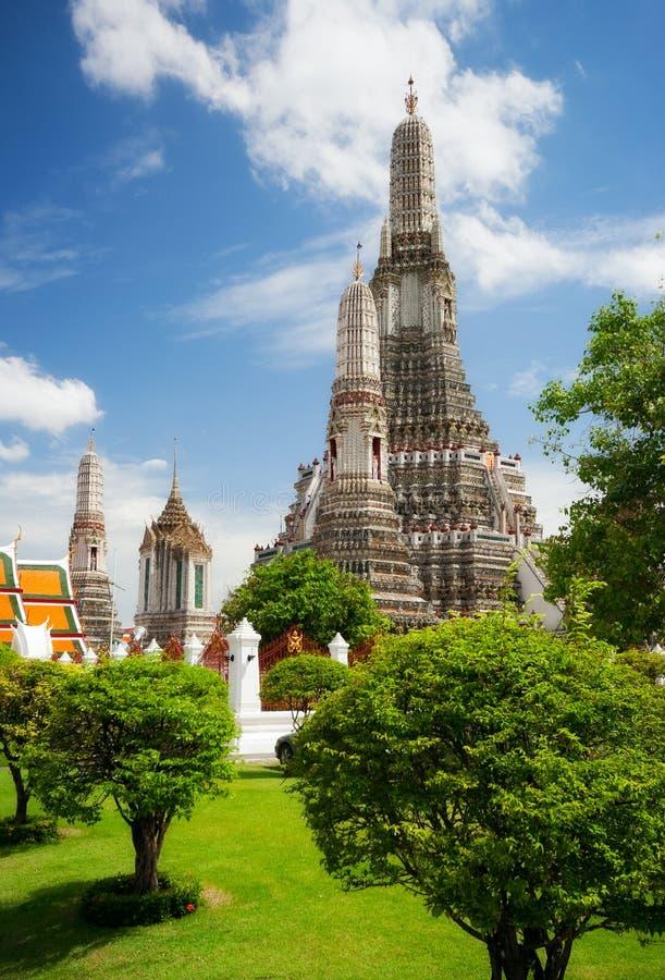 Download Wat Arun zdjęcie stock. Obraz złożonej z budynek, oriental - 57660918