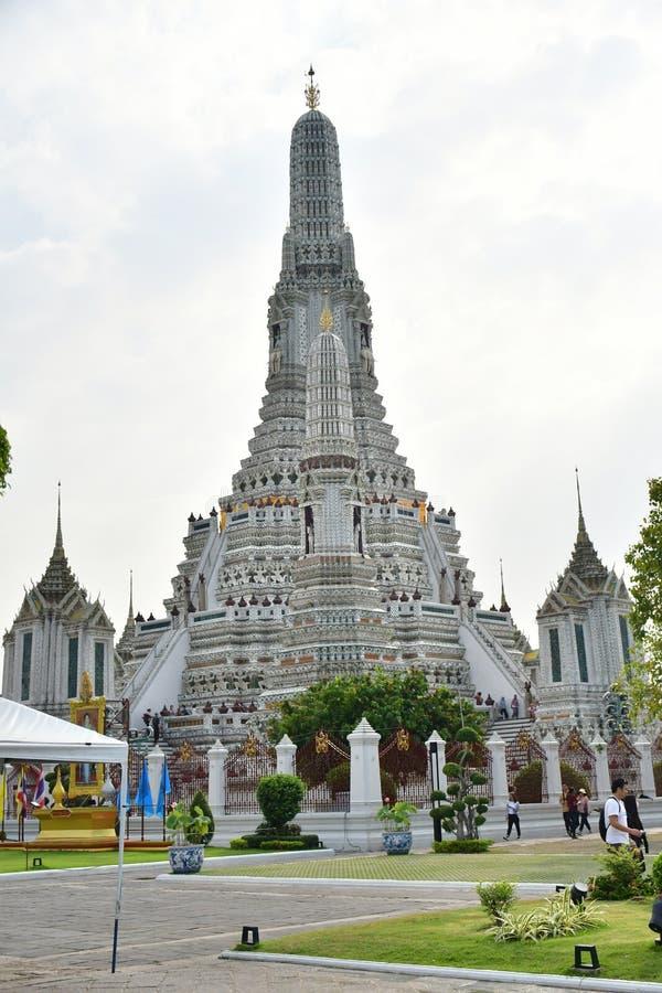 Wat Arun bei Chao Phraya River in Bangkok, Thailand lizenzfreie stockfotografie