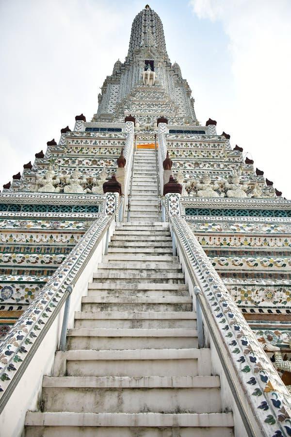Wat Arun bei Chao Phraya River in Bangkok, Thailand lizenzfreies stockfoto