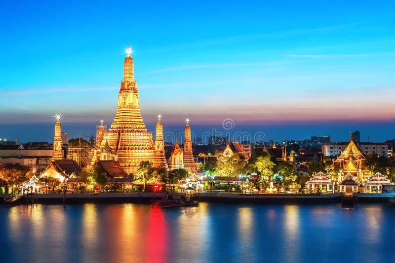 Wat Arun-de Tempel van de nachtmening in Bangkok royalty-vrije stock foto's