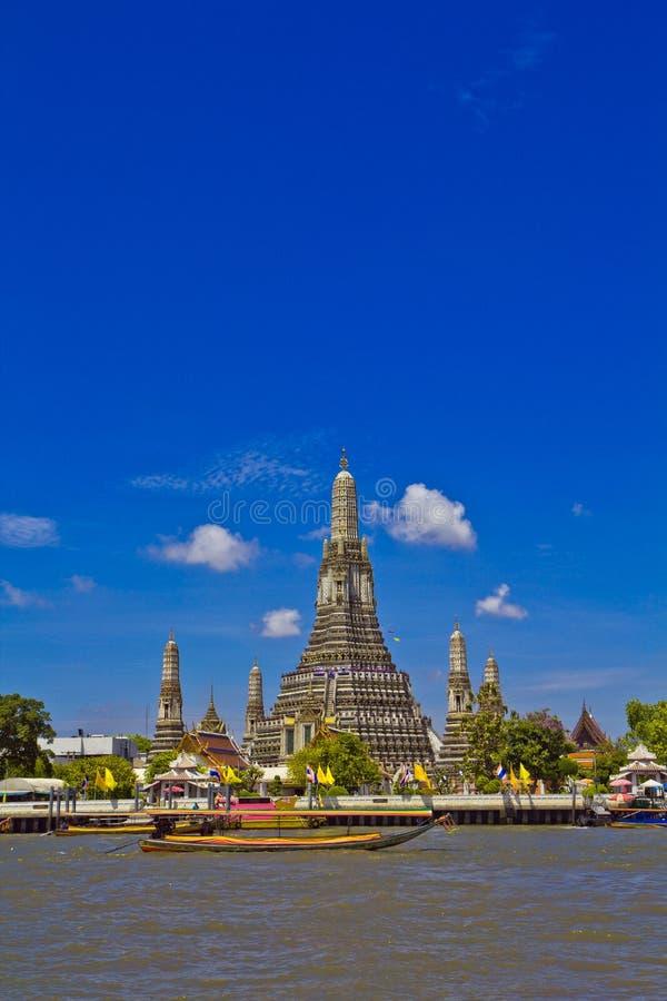 Wat Arun e cloudscape fotografia de stock royalty free