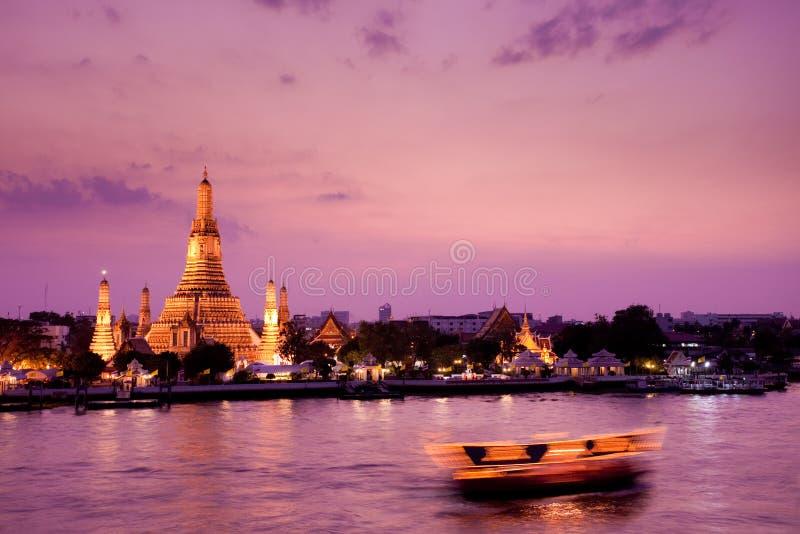 Wat Arun, fleuve de Chao Phraya, Bangkok, Thaïlande photos libres de droits