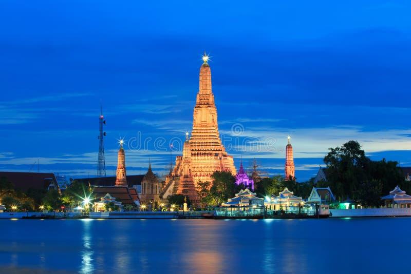Wat Arun lub świątynia świt obraz royalty free