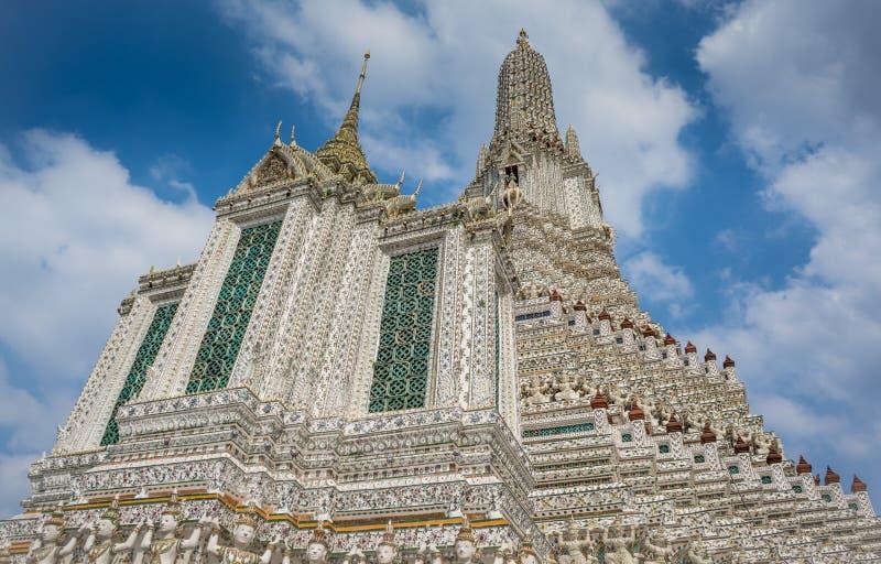 Wat Arun Ratchawararam Ratchawaramahawihan Templo em Banguecoque Lugar antigo fotos de stock