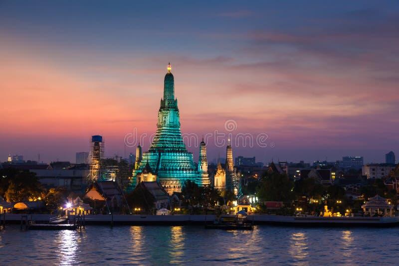 Wat Arun tempel royaltyfria bilder