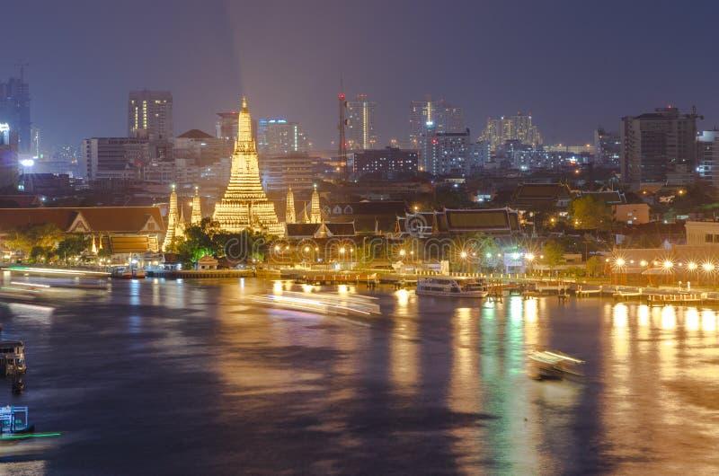 Wat arun of Tempel van dageraad bij nacht, Bangkok stock fotografie