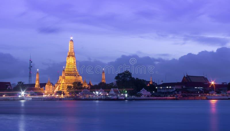 Wat Arun Temple au crépuscule image libre de droits