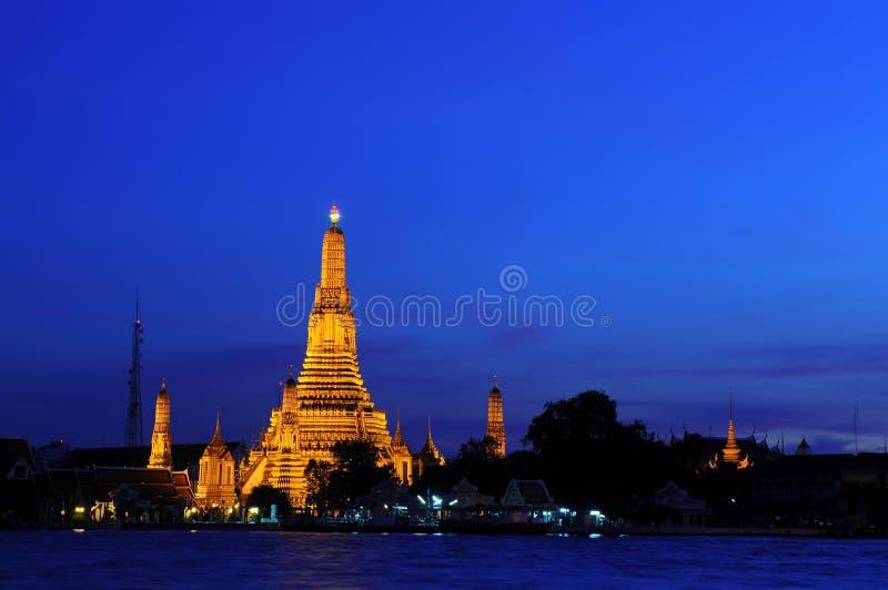 Download Wat Arun Temple in sunset stock image. Image of bangkok - 20665099