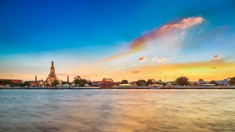 Wat Arun - templet av gryning i Bangkok arkivfoto