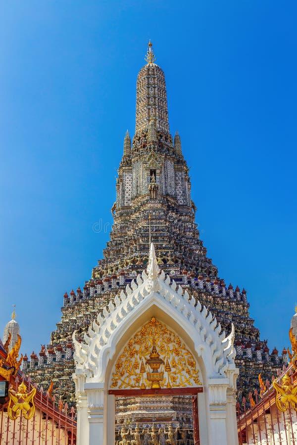 Wat Arun - templet av gryning i Bangkok arkivfoton