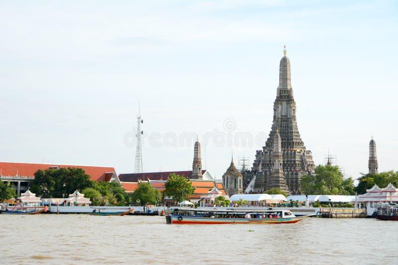 Wat Arunratchawararam imagens de stock