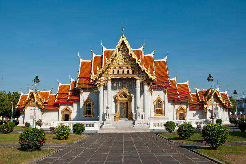 Wat Benchamabophit, Bangkok (templo de mármol) foto de archivo libre de regalías