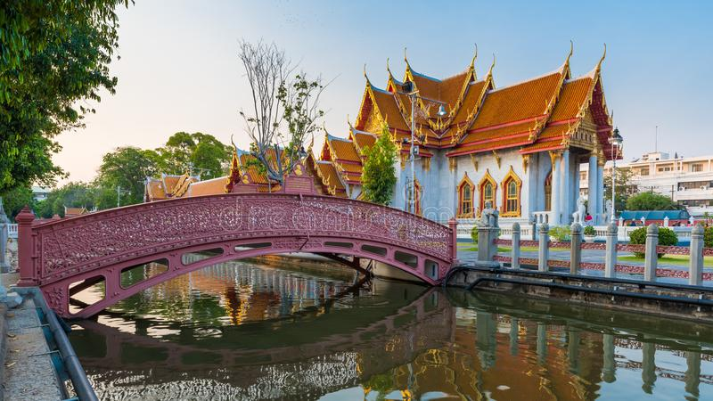 Wat Benjamaborpit of marmeren tempel in Bangkok royalty-vrije stock afbeeldingen