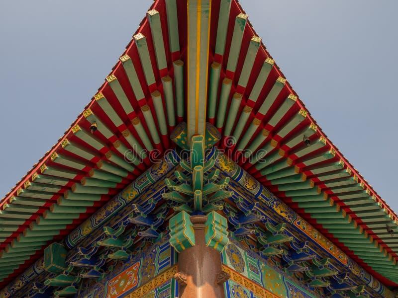 Wat Boromracha Kanchanapisek Anusorn, um templo chinês em Nonthaburi, Tailândia imagens de stock royalty free