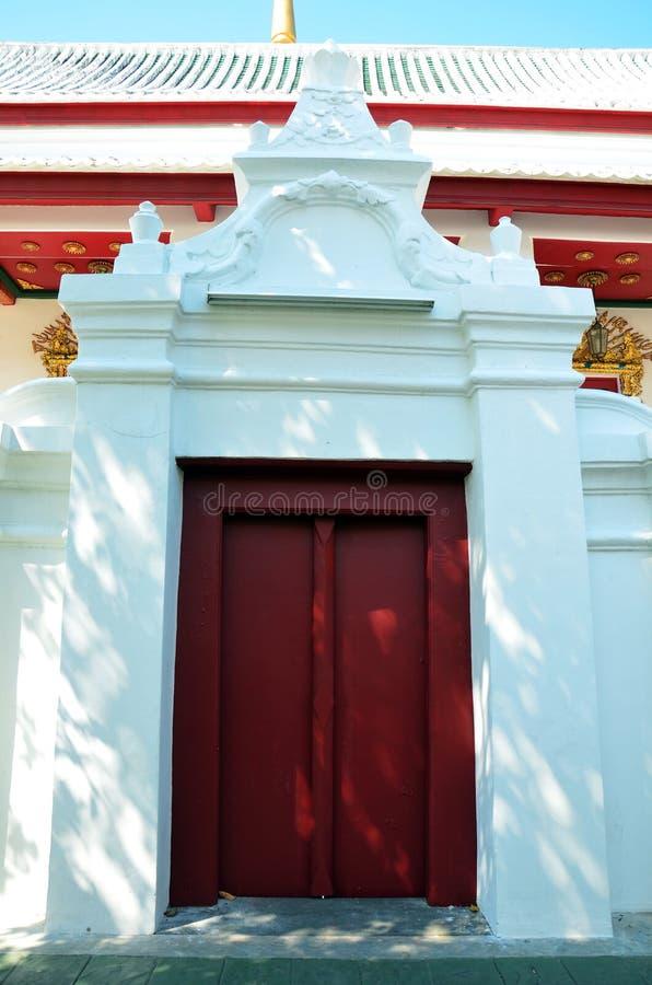 Wat Bowonniwet Vihara eller Wat Bowon royaltyfria bilder