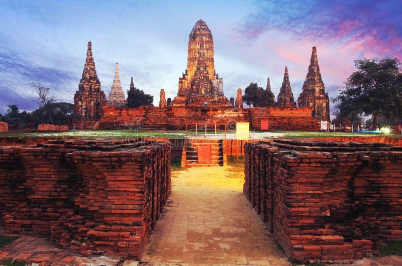 Wat Chaiwatthanaram, Ayutthaya, Таиланд место где оба стоковые изображения rf
