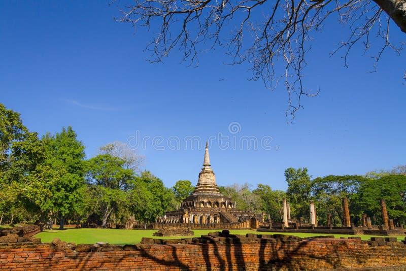 Wat Chang Lom e céu claro imagem de stock royalty free