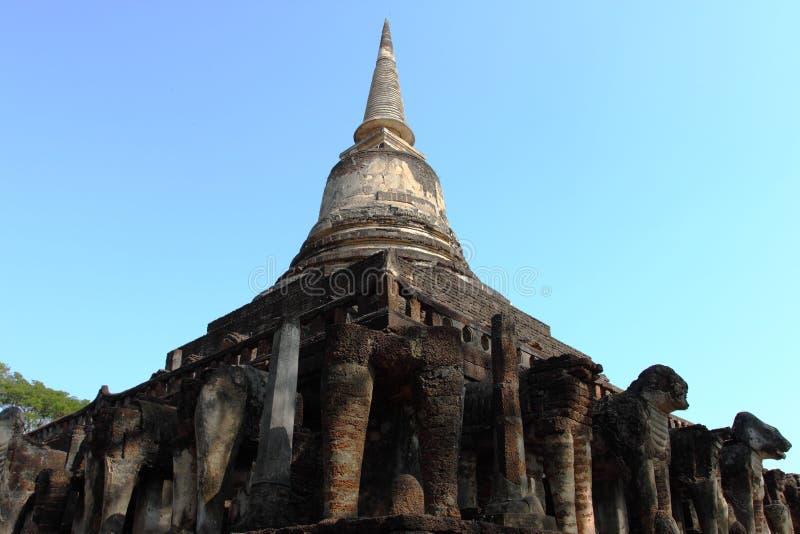 Wat Chang Lom, parque histórico de Satchanalai do si, Tailândia foto de stock royalty free