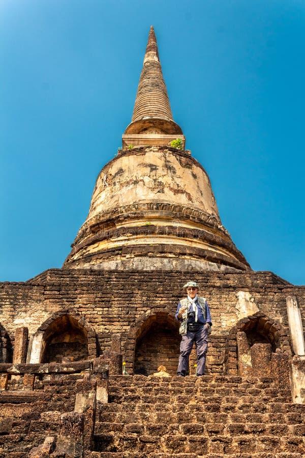 Wat Chang Lom Temple en el parque histórico del Si Satchanalai, un sitio del patrimonio mundial de la UNESCO en Sukhothai, Tailan imagenes de archivo