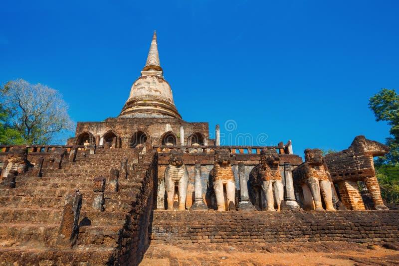 Wat Chang Lom Temple no parque histórico de Satchanalai do si, um local do patrimônio mundial do UNESCO em Sukhotha, Tailândia fotos de stock royalty free